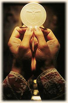 eucharist_hand